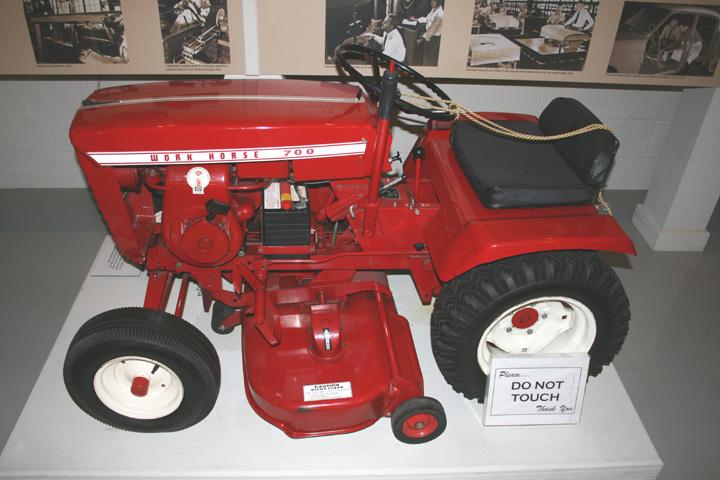 Best Wheel Horse Tractors : Wheelhorse at studebaker museum mytractorforum the